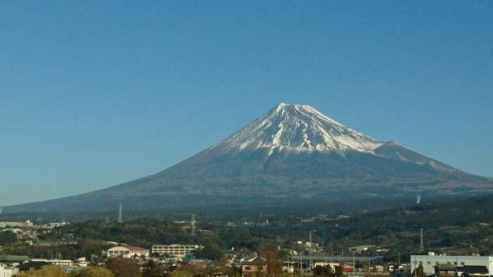 富士山と人間関係はよく似てるわ