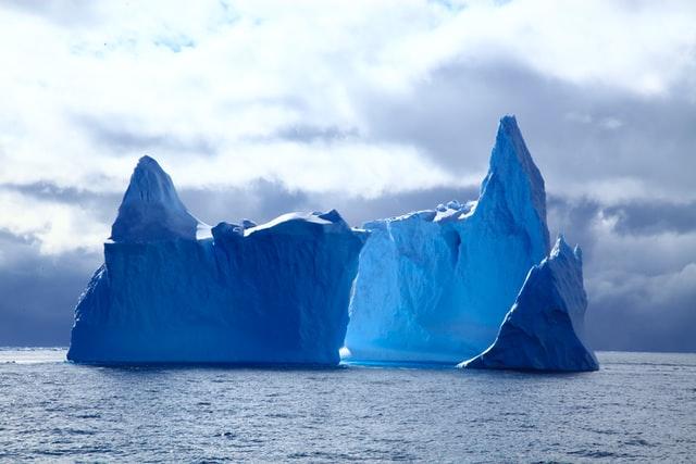 人の評価ばかり気にする人は信念が海中氷山のように見えなくなっている